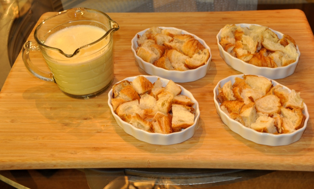 Creme_Brulee_Bread_Pudding_Ramekins