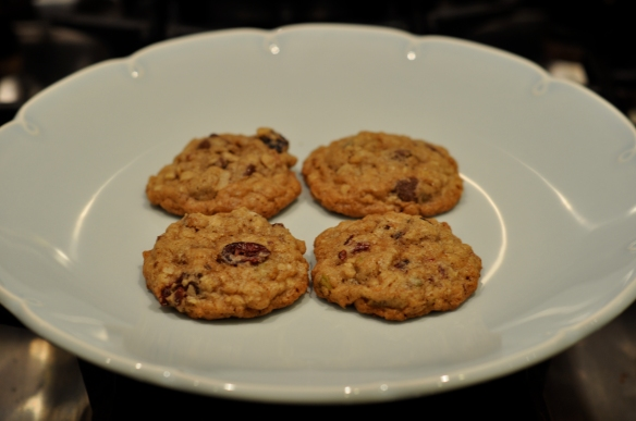 oatmeal_cookies-recipe_Pistachio_cranberries_coconut_baked