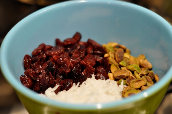 Oatmeal_Cookies_Recipe_Pistachios_cranberries_Coconut_Ingredients